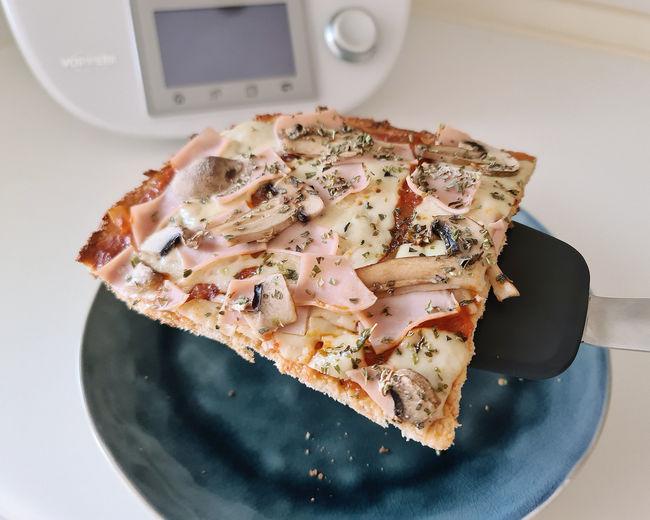 receta-pizza-pollo-keto-Thermomix